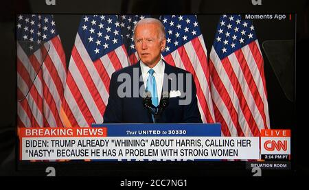 Une capture d'écran de la couverture de CNN de Joe Biden et Kamala Harris peu après le début de leur campagne électorale conjointe en 2020.