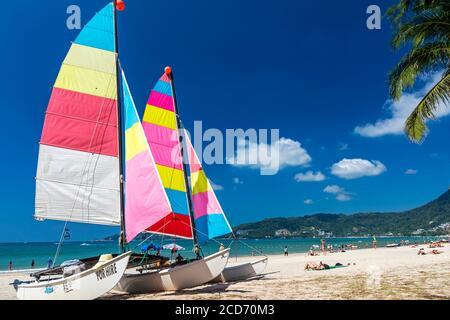 Location de bateaux sur la plage de Patong, Phuket, Thaïlande