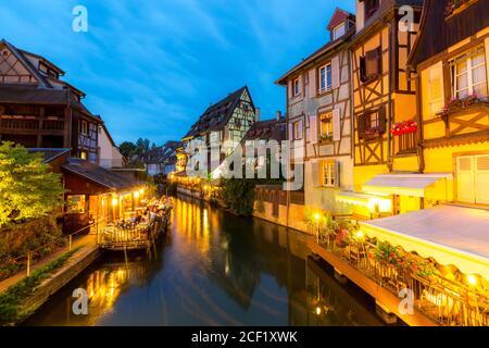 Colmar ville France la nuit. Banque D'Images