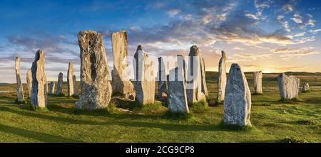 Panorama de Calanais Standing Stones cercle central en pierre érigée entre 2900-2600BC mesurant 11 mètres de large. Au centre de l'anneau se trouve un hu