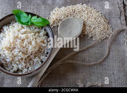 riz brun cuit et non cuit
