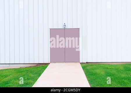 Plan horizontal d'une porte double dans un bâtiment commercial avec espace de copie.