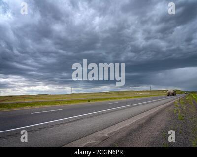Météo orageux au-dessus de l'autoroute du Nebraska