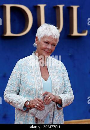 L'actrice Judi Dench arrive pour la première du film britannique « Victoria & Abdul » à Londres, en Grande-Bretagne, le 5 septembre 2017. REUTERS/Peter Nicholls Banque D'Images
