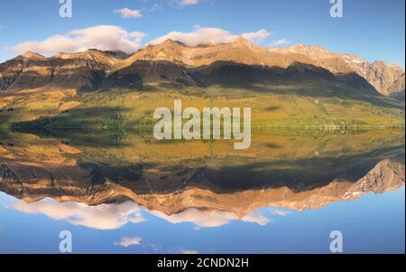 Glenorchy Lagoon au lever du soleil, Glenorchy, Otago, South Island, Nouvelle-Zélande, Pacifique