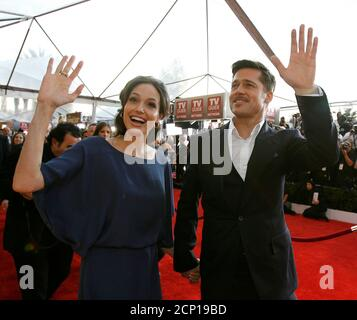 Brad Pitt and Angelina Jolie arrive at the 15th annual Screen Actors Guild Awards in Los Angeles January 25, 2009. REUTERS/Mario Anzuoni/File Photo - Stock Photo