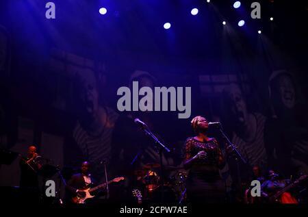 Des musiciens se produisent lors de la célébration de la Journée de l'Afrique surnommée « concert de la libération » à Johannesburg, Afrique du Sud, le 25 mai 2018. REUTERS/Siphiwe Sibeko