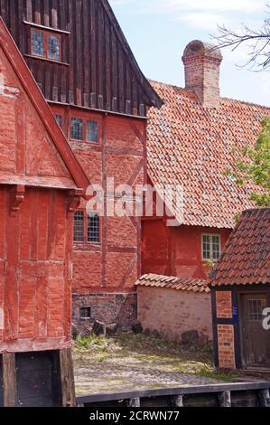 La vieille ville d'Aarhus, Danemark, qui est un musée coloré - Den Gamle par i Aarhus