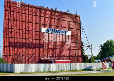 Sterling, Illinois, États-Unis. Le Midway Drive dans un lecteur encore fonctionnel dans un cinéma dans une petite communauté du centre-nord de l'Illinois. Banque D'Images