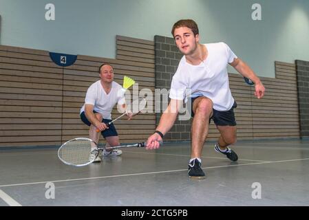Action und Einsatz beim Badminton