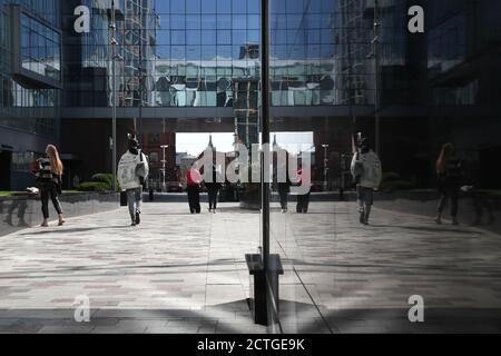 Moscou, Russie. 23 septembre 2020. Les gens marchent dans le centre de Moscou. Crédit : Vladimir Gerdo/TASS/Alay Live News Banque D'Images