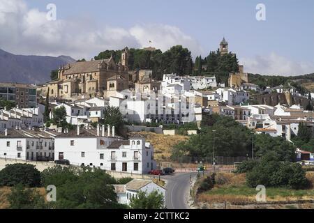 Antequera, España, Hiszpania, Espagne, Espagnol, vue de la vieille ville avec l'imposante église de Santa María la Mayor. Blick auf die Altstadt.