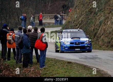 Chris Atkinson and Glenn MacNeall of Australia drive their Subaru Impreza WRC during the shakedown before the Rally of Monte-Carlo, between Mauves and Plats in the Ardeche hills, southeastern France, January 18, 2007.     REUTERS/Robert Pratta (FRANCE) Banque D'Images