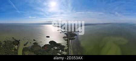 Vue aérienne sur les lacs Kuhurlui et Yalpuh village d'Orlovka, Reni raion, Odessa oblast, Ukraine, Europe de l'est