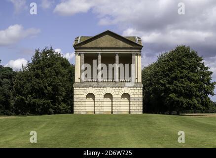 KINGS LYNN, ROYAUME-UNI - 07 août 2019 : la tour d'eau folies dans le domaine de Houghton Hall Banque D'Images