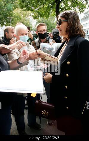 Juliette Binoche arrive au ZFF Masters lors du 16ème Festival du film de Zurich 2020 à Filmpodium le 1er octobre 2020 à Zurich, Suisse