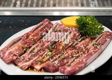Côte de bœuf Wagyu de première qualité pour le yakiniku japonais.