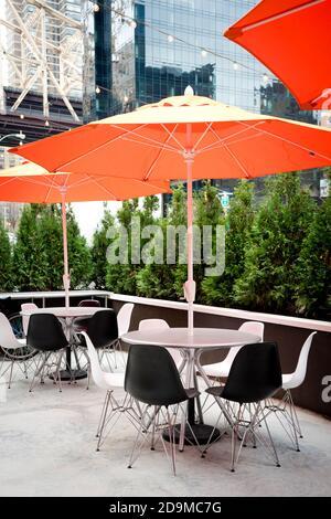 Terrasse de restaurant en plein air à New York Banque D'Images