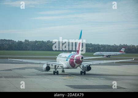 Stuttgart, Allemagne - 4 octobre 2020 : Eurowings Europe Airbus A320 à l'aéroport de Stuttgart en Allemagne. Airbus est un fabricant européen d'avions