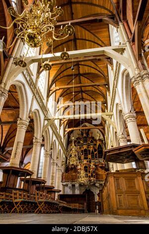 Église Oude Kerk, la plus ancienne d'Amsterdam, Hollande-Nord, pays-Bas, Europe Banque D'Images