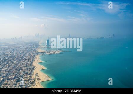 Paysage urbain de Dubaï (Émirats arabes Unis). Lieu de tournage : Dubaï