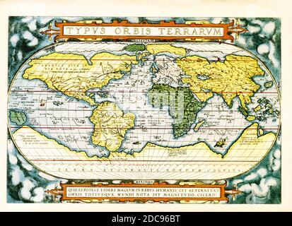 Le texte en haut de cette carte du monde d'Abraham Ortelius se lit comme suit : typus Orbis Terrarum (carte du monde). La carte date de 1570 et est la première carte du monde à apparaître dans un atlas standard et est donc d'une importance fondamentale pour l'histoire de la cartographie. Centrée sur l'océan Atlantique, la carte couvre le monde entier, de pôle en pôle. La présentation générale d'une projection ovale dérivée de cartes antérieures d'Appianus et de Bordonius, Cartographiquement elle est dérivée du monde de Gerard Mercator (1569), Gastaldi (1561) et Gutierrez. Le texte en bas est une citation attribuée à