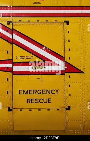Hélicoptère de sauvetage d'urgence, la porte du musée de l'aviation du Canada, Ottawa, Ontario, Canada