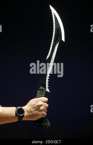Une sélection d'armes saisies par la police de Northumbria, toutes ces armes ont été commandées sur des sites Web et des apps, mais interceptées par la Force frontalière du Royaume-Uni avant d'être envoyées à des adresses à Tyneside, le mercredi 2 décembre 2020.