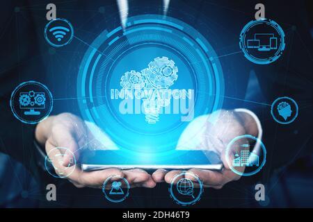 Innovation technologie pour Business Finance concept. Interface graphique moderne montrant le symbole des idées innovantes pensée, recherche et développement
