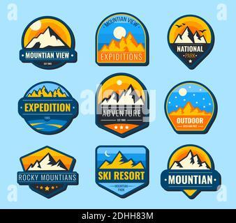 Ensemble d'étiquettes plates Snow Mountains. Collection d'illustrations vectorielles pour la randonnée et le logo du tourisme. Paysage, nature, parc, loisirs et exp