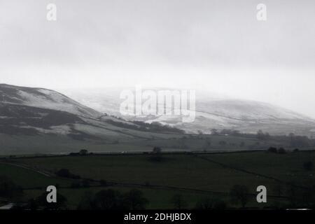 La photo est une scène neigeuse dans les Yorkshire Dales au-dessus de Leyburn. Météo neige hiver neige neige neige neige neige neige neige