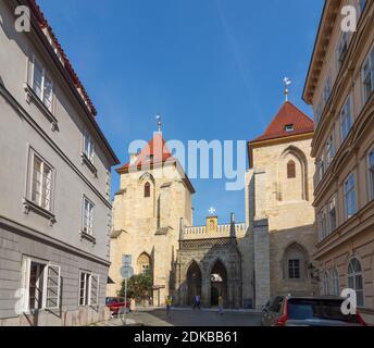Praha, entrée à l'église Sainte Marie sous la chaîne (St. Maria unter der Kette, Kostel Panny Marie pod retezem) à Mala Strana, Lesser Town, Praha, Prag, Prague, Tchèque Banque D'Images