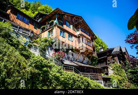 Maisons anciennes de Hallstatt, célèbre village ancien en Autriche