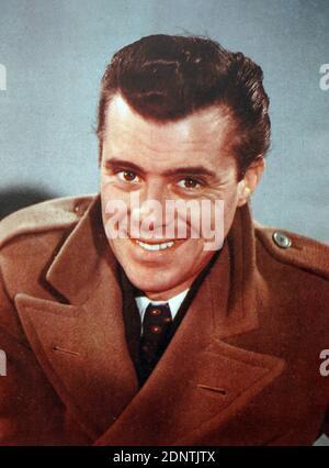 Photographie de Sir Dirk Bogarde (1921-1999) un acteur et écrivain anglais.