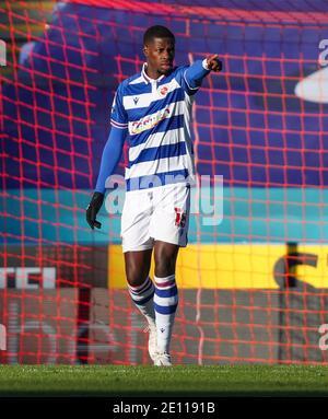 Lucas Joao de Reading pendant le match de championnat Sky Bet au stade Madejski, Reading. Banque D'Images