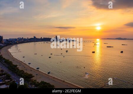 Coucher de soleil sur Pattaya, Chon Buri, Thaïlande