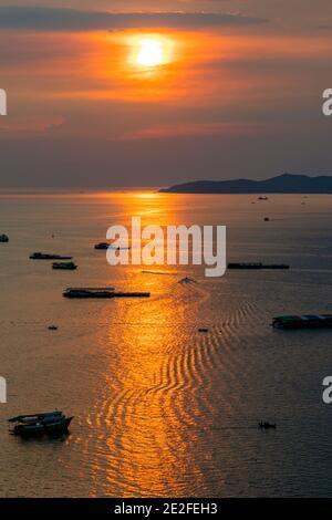 Coucher de soleil sur la mer à Pattaya, Chon Buri, Thaïlande