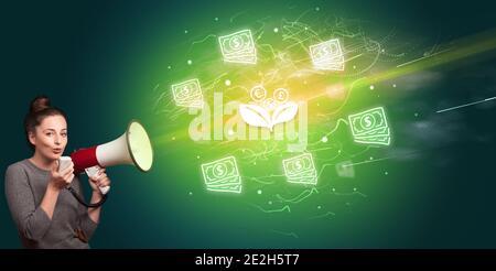 Jeune personne hurle dans le mégaphone et l'icône de fleur de monnaie, le concept de change de monnaie