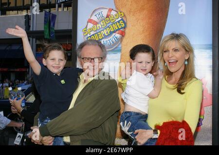Los Angeles, États-Unis. 14 novembre 2004. 06-KingLarry_Wife_kids054 crédit: Tsuni/USA/Alay Live News Banque D'Images