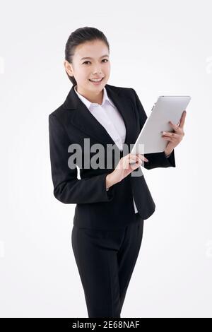 Femme d'affaires de mode orientale et IPAD photo de haute qualité
