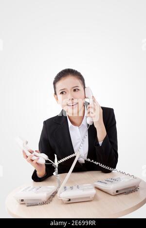 Femme d'affaires utilisant le téléphone photo de haute qualité