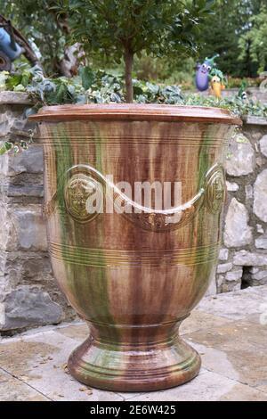 France, Gard, Anduze, vase Anduze, poterie les enfants de Boisset étiquetée Living Heritage Company