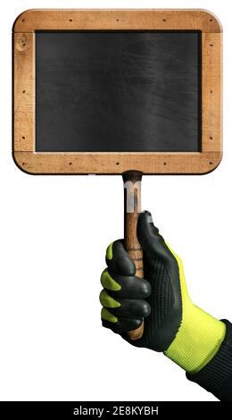 Main avec gant de protection tenant un tableau noir vierge avec cadre en bois, isolé sur fond blanc avec espace de copie.