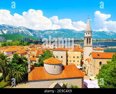 Vieille ville de Budva sur la mer Adriatique, Monténégro.