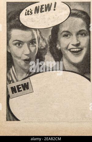 Arrière-plan du papier utilisé. Ancienne page de journal avec publicité vintage