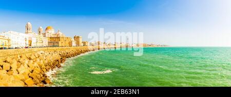 Côte de l'océan Atlantique à Cadix, Andalousie, Espagne