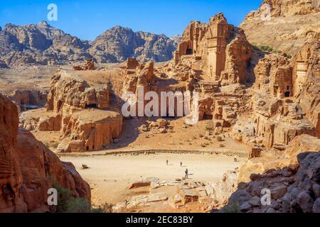 Vue aérienne sur les tombeaux de la ville perdue de Pétra, en Jordanie.