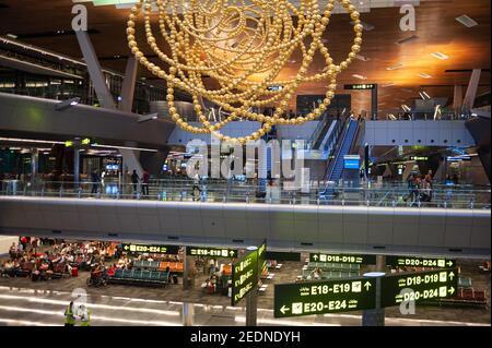 27.06.2019, Doha, , Qatar - Asie - vue intérieure du hall des départs du nouvel aéroport international de Hamad. 0SL190627D014CAROEX.JPG [VERSION DU MODÈLE