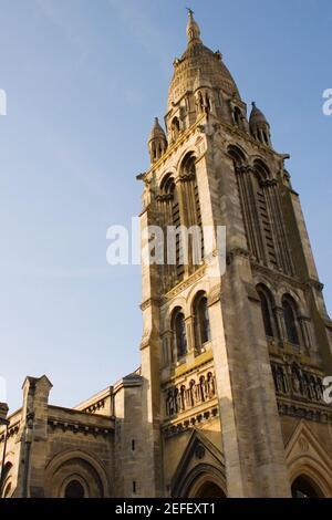 Vue à angle bas d'une église, Leglise Sainte_Marie de la Bastide, Bordeaux, Aquitaine, France Banque D'Images