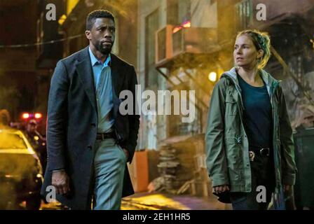 21 PONTS 2019 STXfikms production avec Sienna Miller et Chadwick Boseman